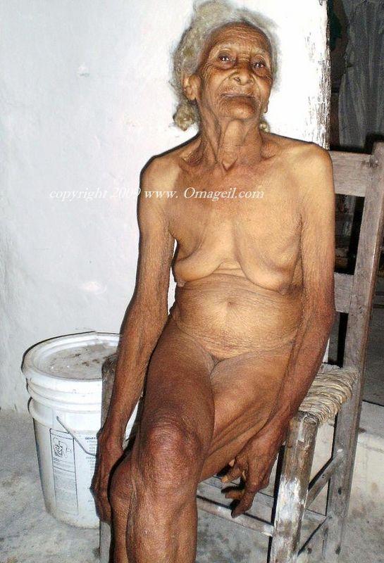 Black old wrinkled oma grannies