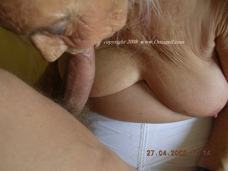 image German amateur couple fucking in the kitchen