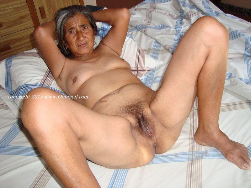 Black omageil granny