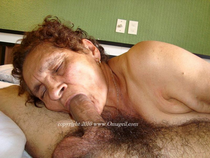 Britain039s most hottest grannies showing their pussy 7