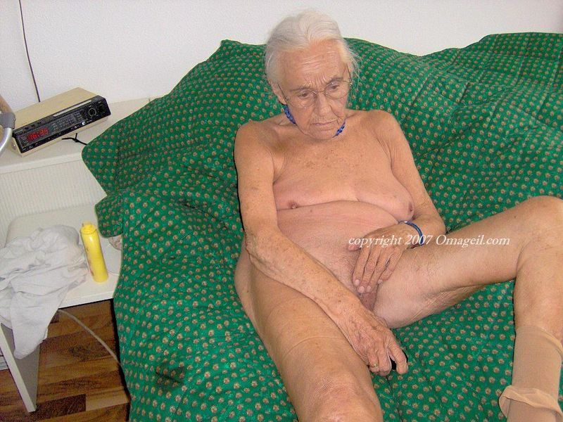 Picture of an america woman naked