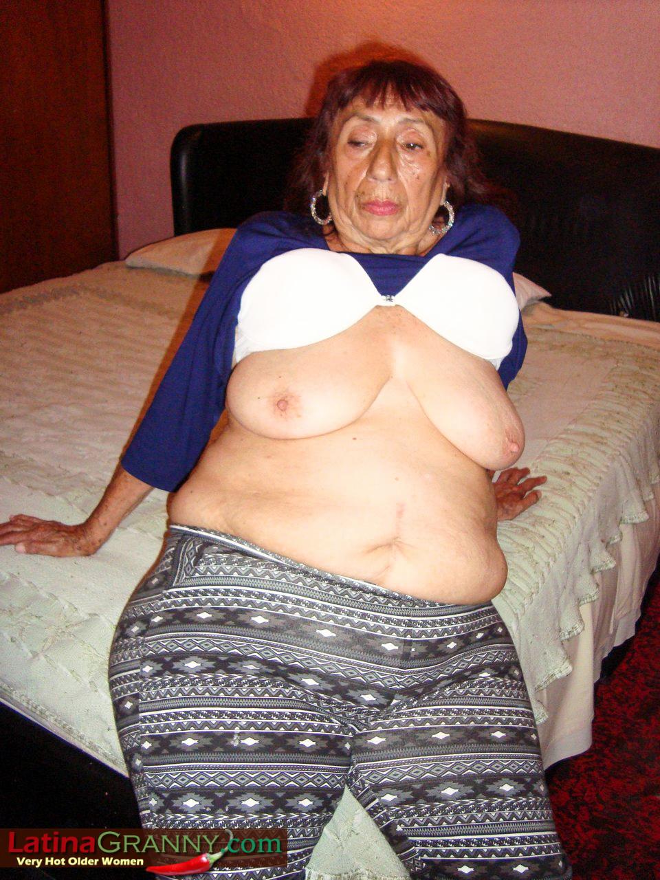 Photos granny latina nice lil
