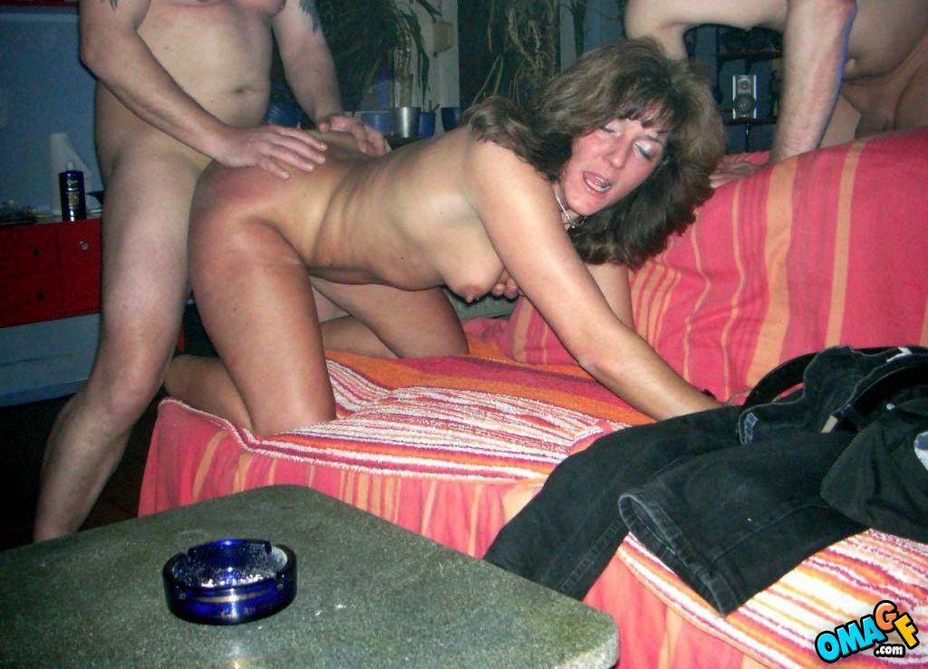 Порно жены с посторонними