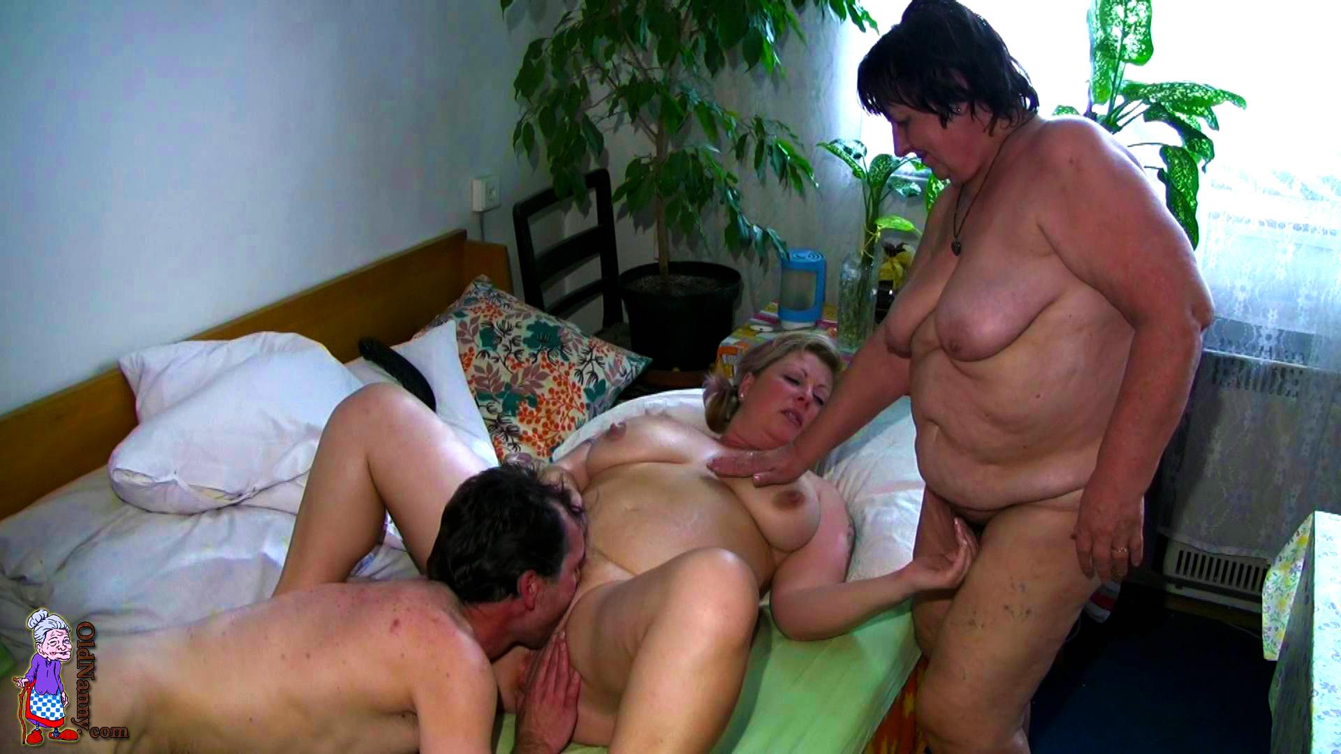 Порно русских старушек с уговорами