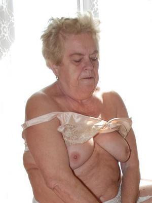 Granny oma mature