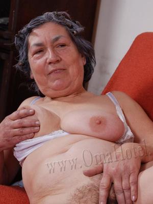 oma granny porn